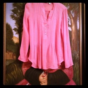 Fun gauze like pink blouse